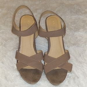 CL by Laundry Nude Tan Wedges Sandals sz 10 41